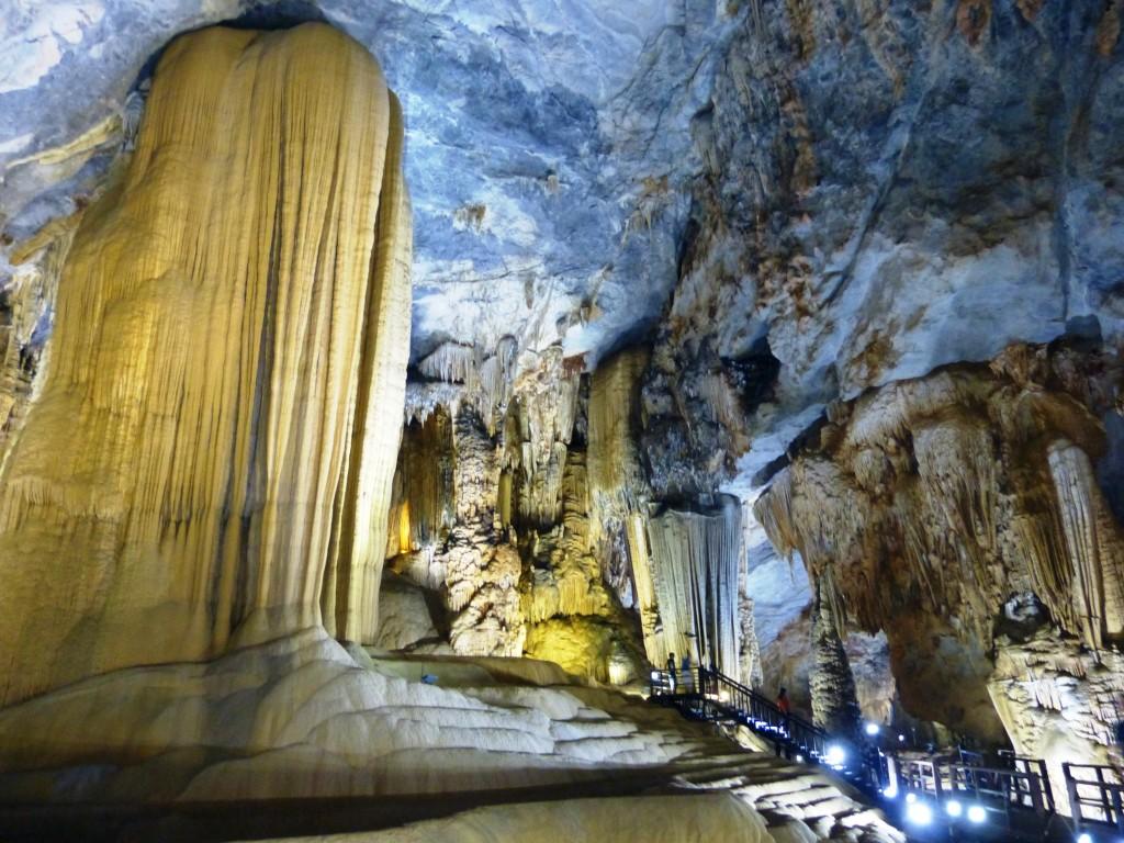 Paradise cave scene