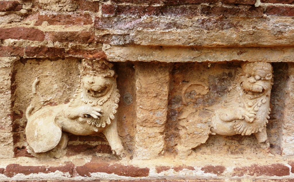 Sinhalese lion frieze Polonnaruwa