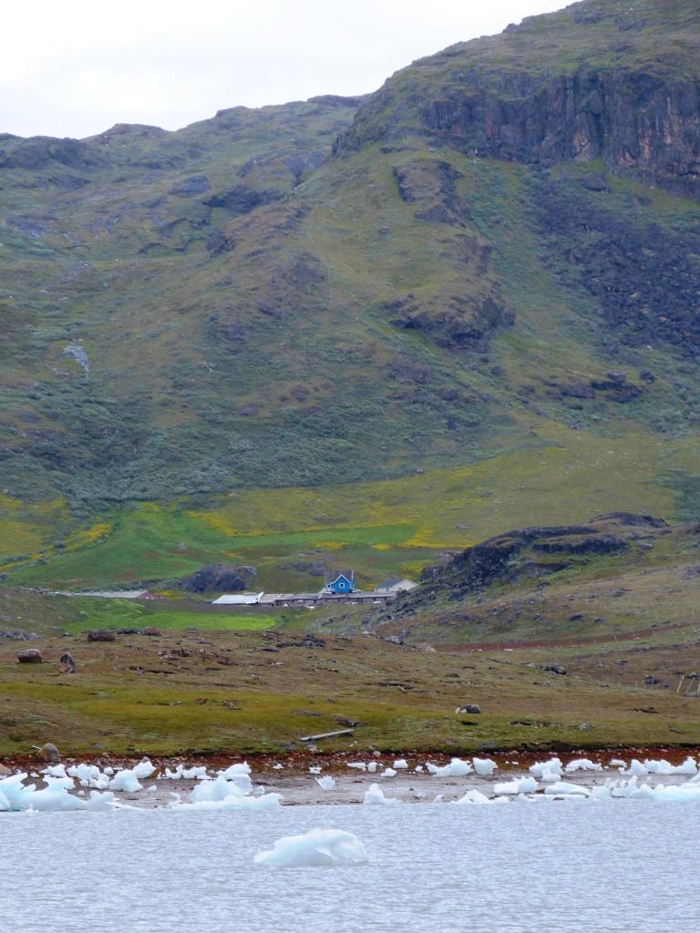 lil blue house Nunataaq