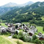 Les Hauderes village
