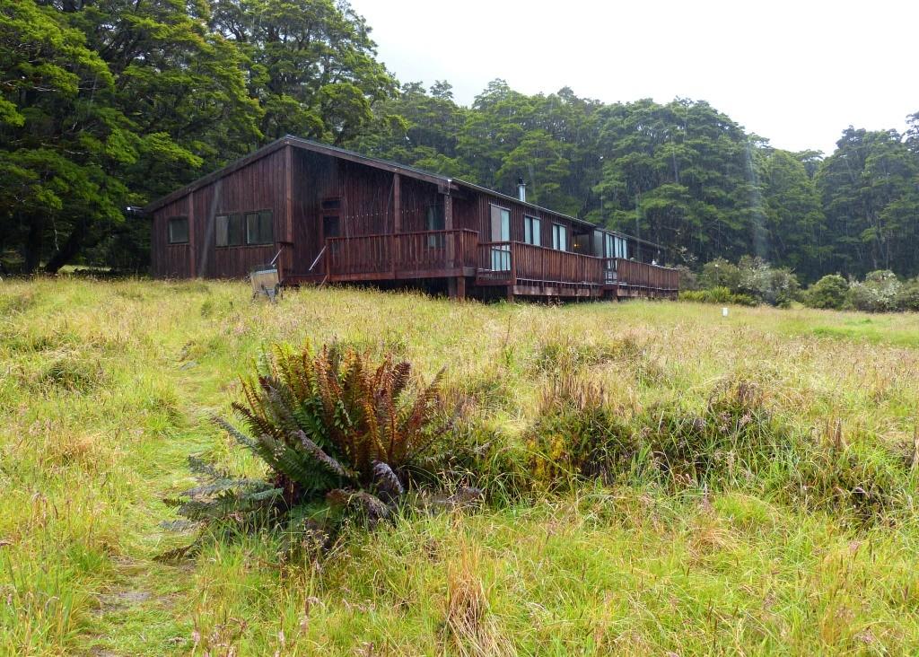 Lake Mackellar Lodge