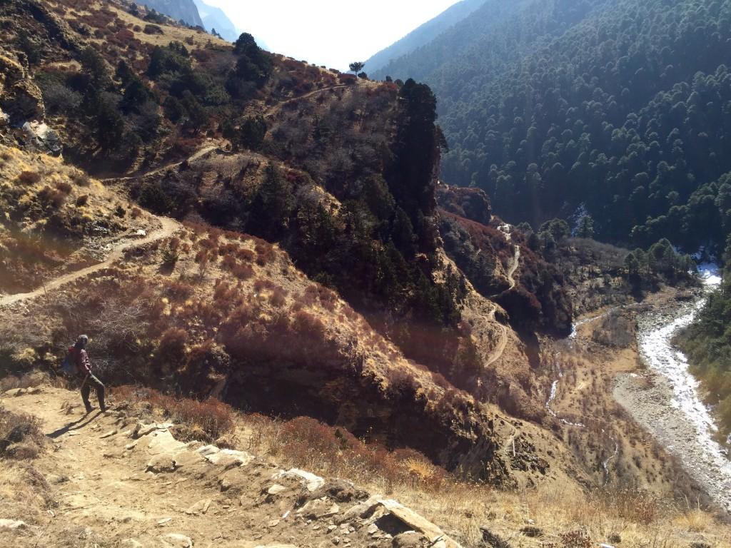 Descending Wang Chhu Valley